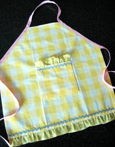 bellas-apron.jpg