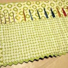crochet-hook-holder-for-catherine.jpg