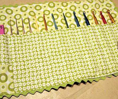 crochet-hook-holder-for-catherine.jpg