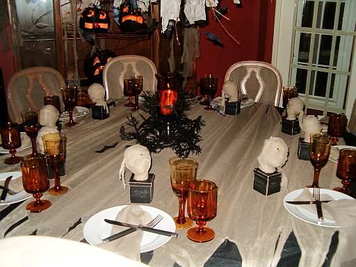 halloween-adults-table.jpg