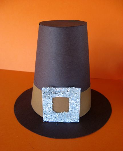 paper pilgrim hat Remember the mayflower, and give the little ones a fun way to play out scenes  from the first thanksgiving with these paper bonnets you do the cutting, and the .