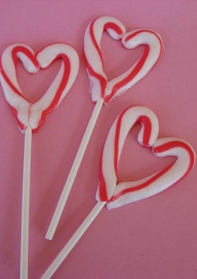 candy-cane-heart.jpg