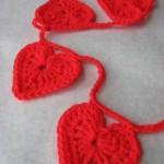 crochet-heart-garland-2