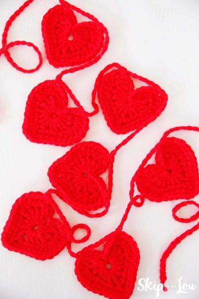 easy crochet heart garland