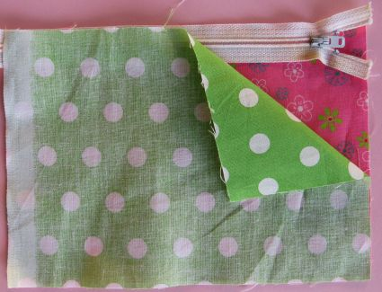 How To Make A Lined Zippered Pouch Tutorial Skip My Lou