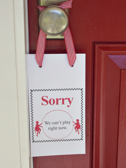 play-door-hanger-sorry-420w
