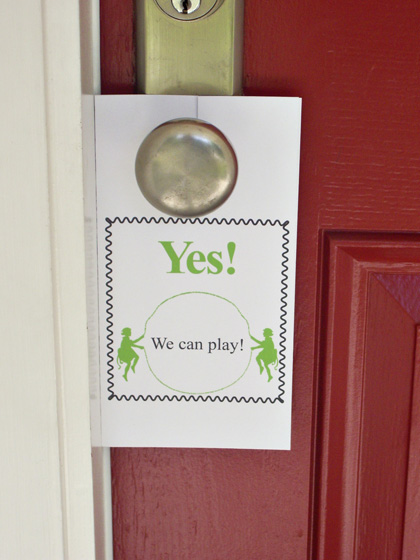 play-door-hanger-yes-420w