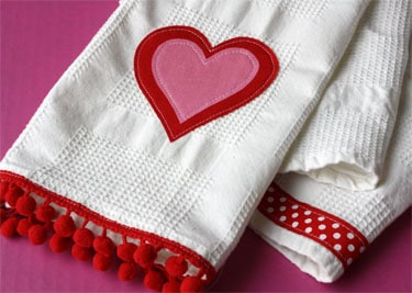 Simple Applique Towels For Valentine S Day Skip To My Lou
