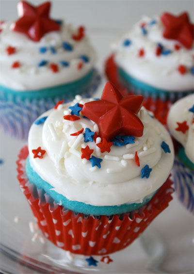 Basic White Cupcakes Recipes — Dishmaps