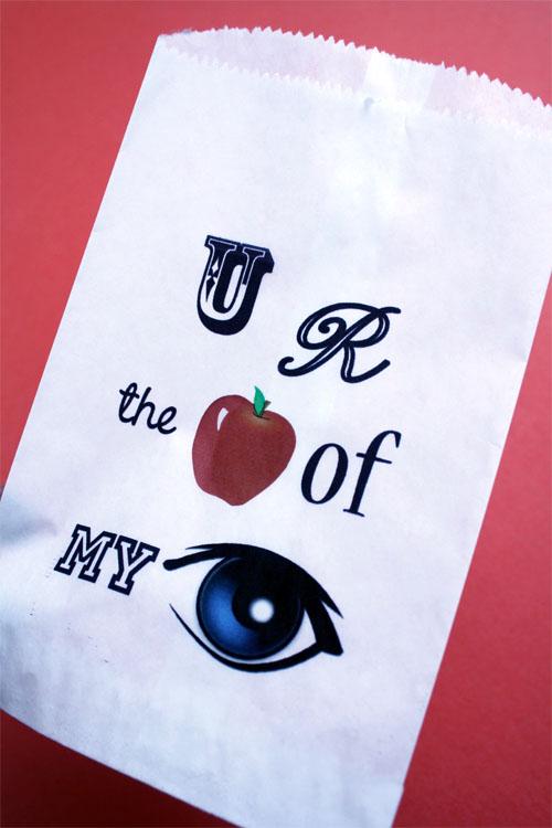 """u r the apple of my eye"" printable on a white sandwich bag"