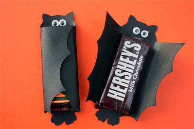 mini hershey bars wrapped to look like bat
