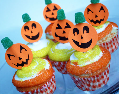 Free Printable Jack-o-Lantern Cupcake Picks (party treats) by Cindy Hopper on Alphamom.com