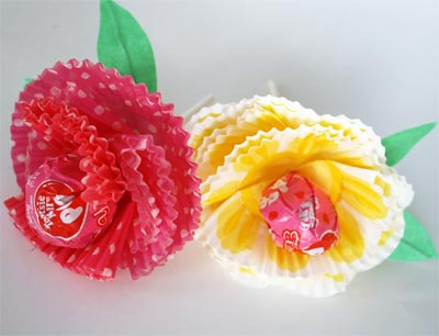 image tutorial diy paper flowers lollipop candy baking cup muffin patty pan skip to my lou