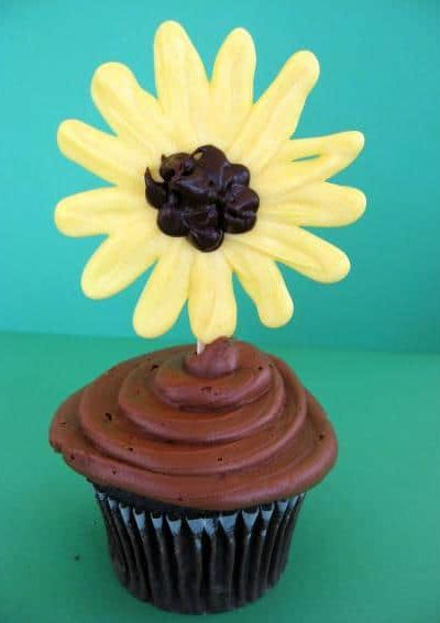 sunflower-cupcake-3.jpg