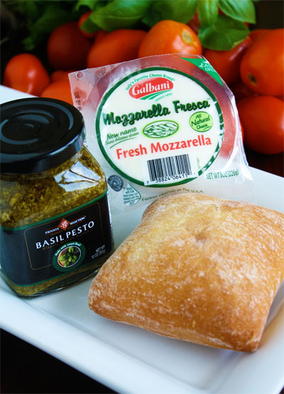 Caprese Sandwich ingredients