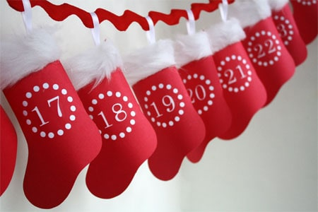 Hanging-Paper--Stocking-Calendar.jpg