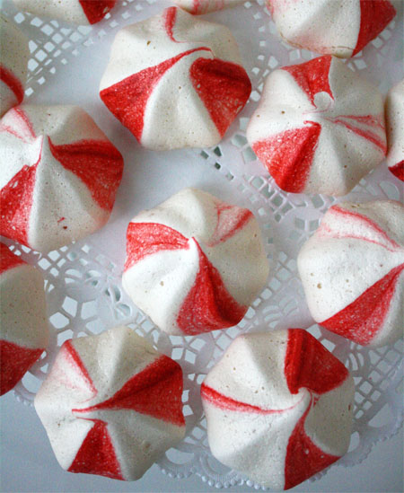 Peppermint meringue cookies make a beautiful {and yummy} addition to ...