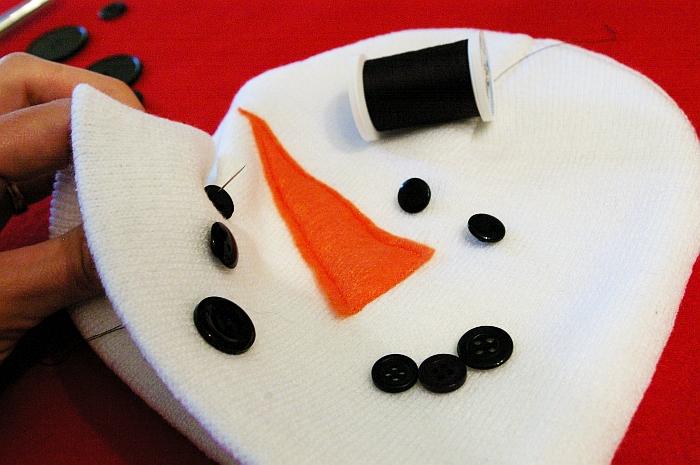 e24d4e1b381 Kids Snowman Hat – DIY gift   sewing project