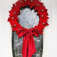 Felt-Poinsettia-Wreath_FINAL1.jpg