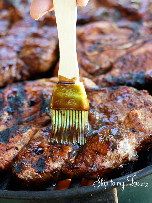 balsamic bbq sauce recipe brushing on steak on the grill