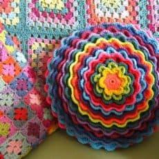 blooming flower cushion pattern