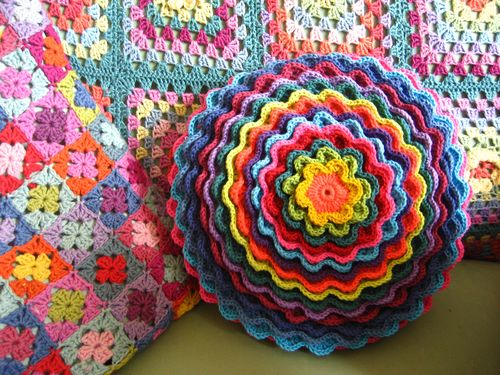 blooming flower cushion pattern