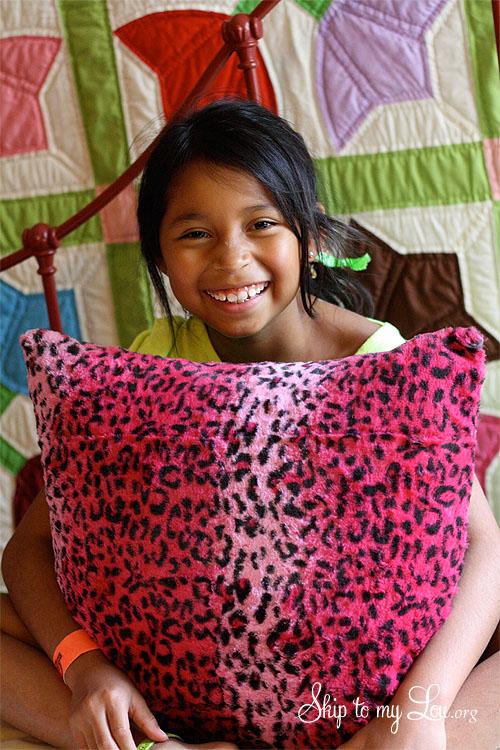 teaching kids to sew a pillow