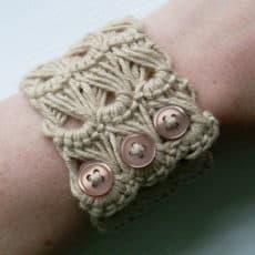 broomstick-lace-bracelet