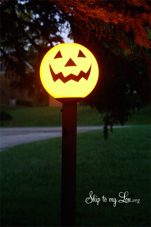 jack-o-lantern yard light