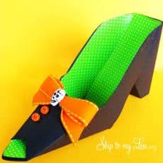 DIY-paper-witch-shoe.jpg