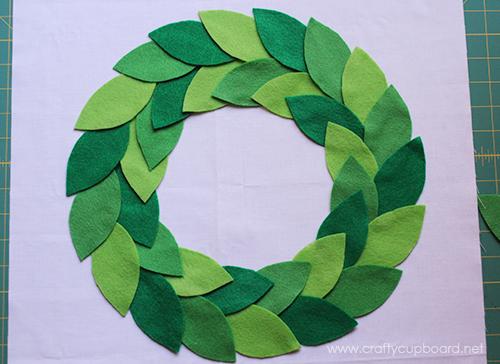 Holly Wreath Layout