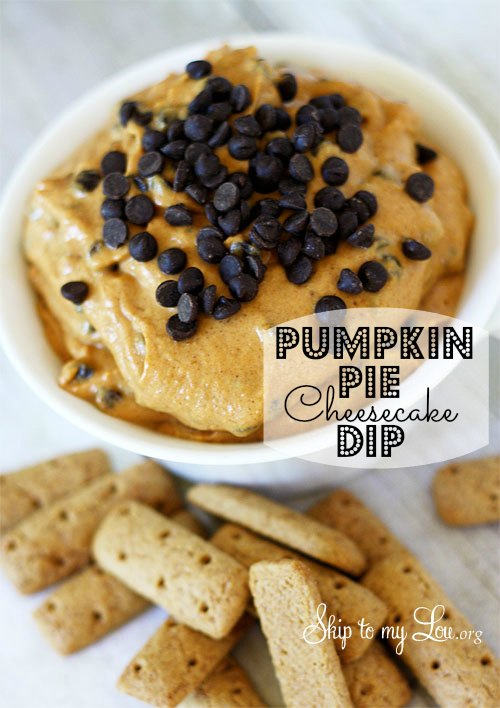 pumpkin pie cheesecake dip served with mini graham crackers