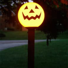jack-o-lantern-yard-light.jpg