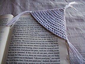 Crochet corner bookmark
