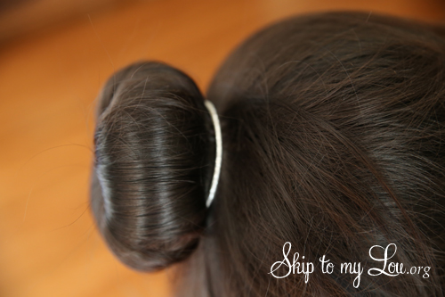 how to make a bun in hair step 4a