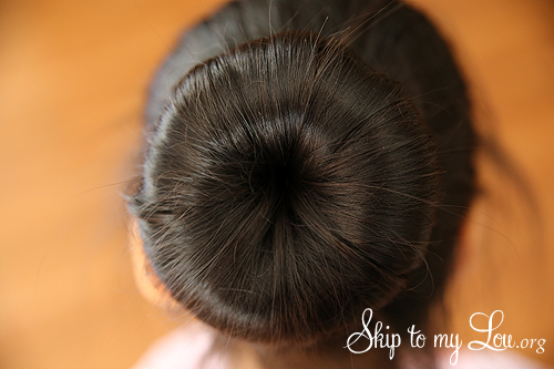 how to make a bun in hair step 5