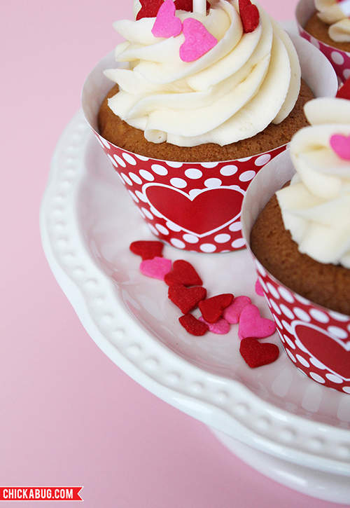 Free printable Valentine's Day cupcake wrapper & topper set designed by Chickabug for Skip to My Lou