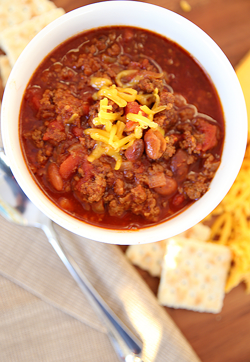Jan 25,  · A wonderful tasty red ground beef chili recipe made crock pot easy. A great hardy meal but good enough for that Superbowl party. Editor's Note: Originally published January 19, /5(83).
