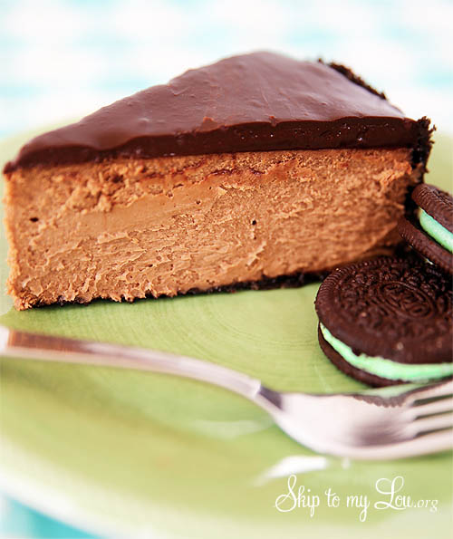 Chocolate cheesecake with mint oreo crust