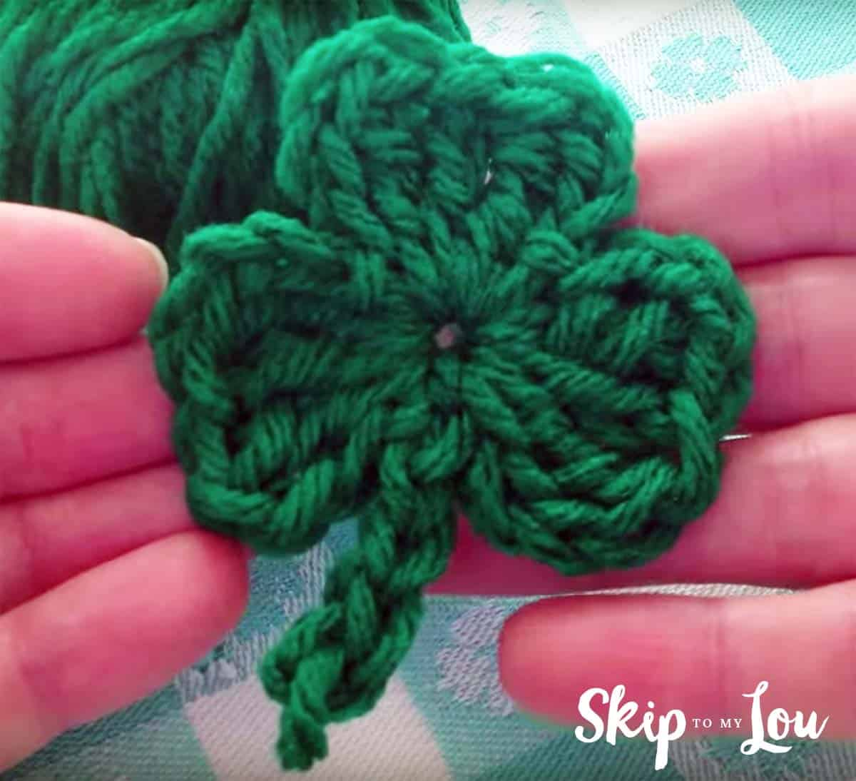 Free Crochet Shamrock Pattern with a video | Skip To My Lou