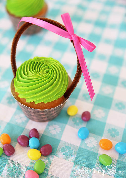 how to make Easter basket cupcake