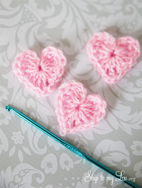mini crochet hearts