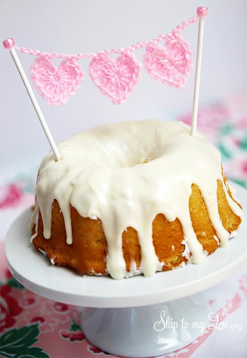 crochet heart cake bunting