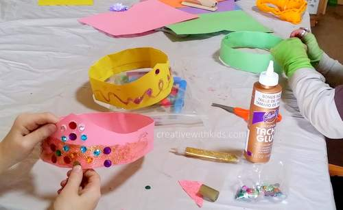 Decorating paper crowns