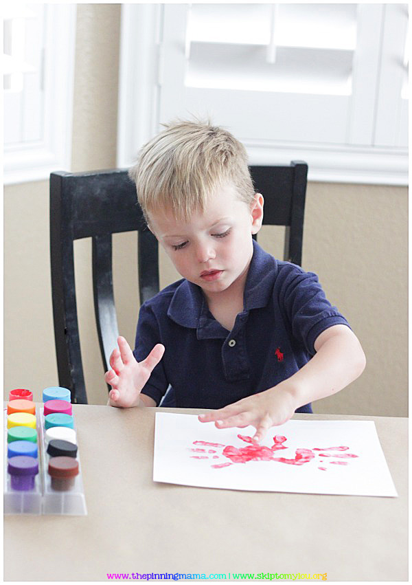10 Easy Summer Handprint Crafts for Kids!  Click here to see all!