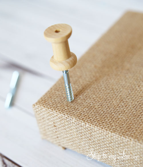 burlap jewelry holder step 1