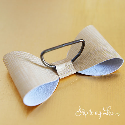 how to make bow napkin ring 5