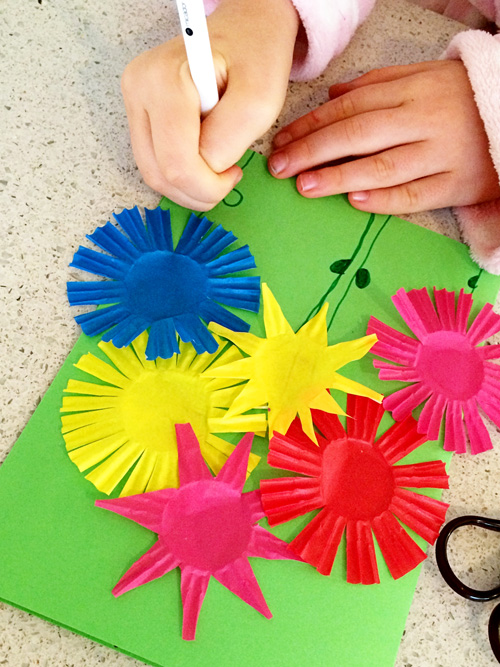 Summer flower bouquet greeting card craft for kids