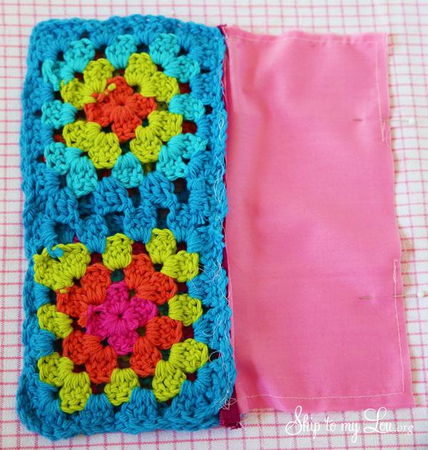 granny square pouch step 7