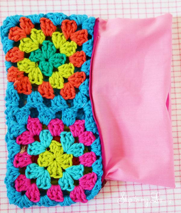 granny square pouch step 9